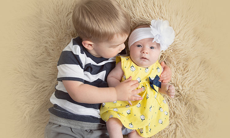 Baby Evelyn Linder and her brother Harry